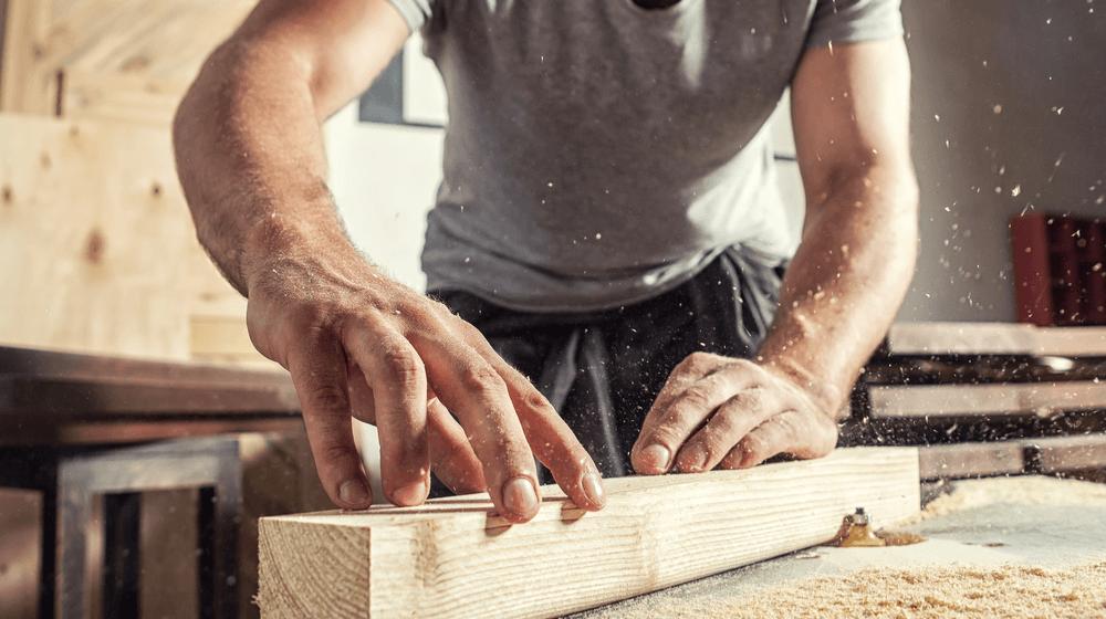 Előkészített faanyaggal könnyebben megy a munka